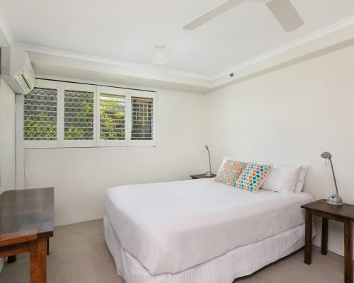 apartment-5-3-bed-standard-centre-front-6